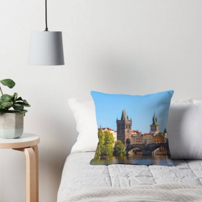PRAGUE 005 - Pillows